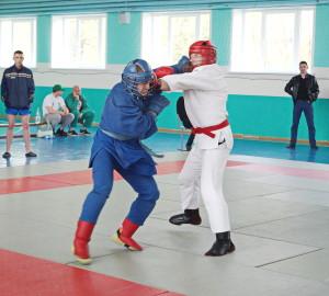 2.Поединок в ходе турнира по армейскому рукопашному бою (6)