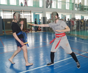 3.Поединок в ходе турнира по ножевому бою
