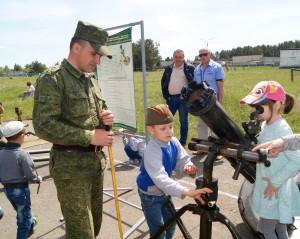 На выставке вооружения и военной техники (17)