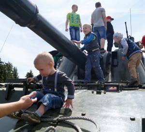 На выставке вооружения и военной техники (7)