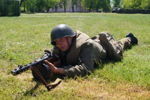 В ходе реконструкции сражения Великой Отечественной войны (3)