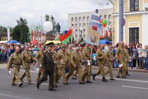 В праздничной колонне - воины-интернационалисты