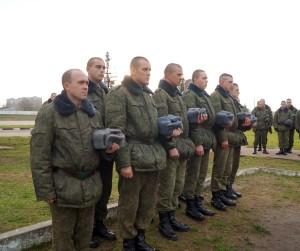 Военнослужащие в ходе митинга-реквиема
