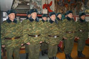 Военнообязанные, призванные из запаса, в музее Боевой славы 6-й омбр