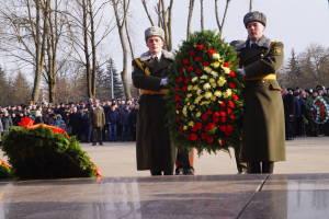 Возложение венков к мемориалу павшим воинам-интернационалистам