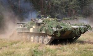 Боевая машина пехоты в ходе учения