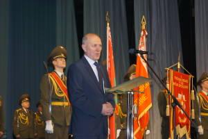 С праздником поздравляет председатель Гродненского олисполкома Владимир Кравцов