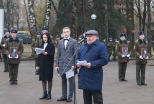 Выступает полковник в отставке Олег Хватынец
